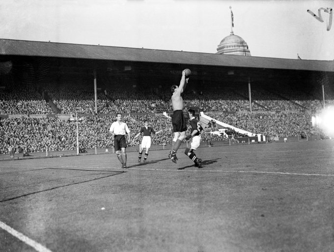 Soccer - Wartime international - England v Scotland
