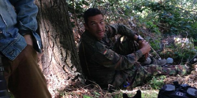 LOLZ: Genoa goalkeeping coach Luca Rambo De Pra caught spying on Samp training dressed in camouflage