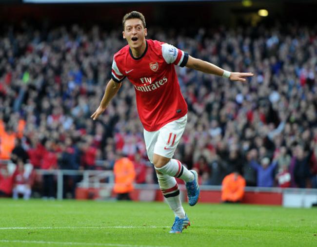 Soccer - Barclays Premier League - Arsenal v Norwich City - Emirates Stadium