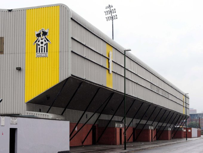 Soccer - Coca-Cola Football League Two - Notts County - Meadow Lane