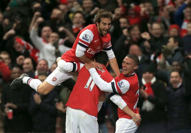 Soccer - Barclays Premier League - Arsenal v Everton - Emirates Stadium