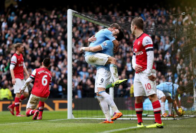 Soccer - Barclays Premier League - Manchester City v Arsenal - Etihad Stadium