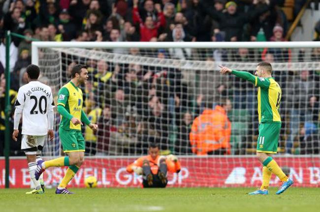 Soccer - Barclays Premier League - Norwich City v Swansea City - Carrow Road