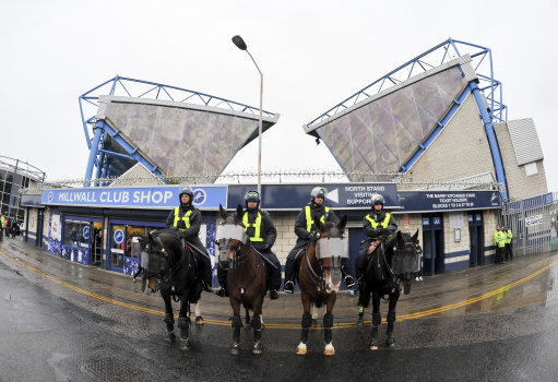 Soccer - Sky Bet Championship - Millwall v Queens Park Rangers - The New Den