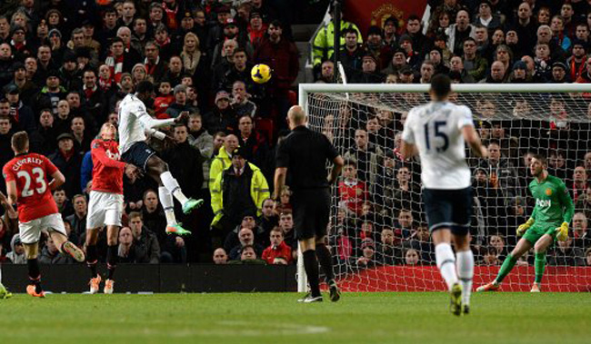 Soccer - Barclays Premier League - Manchester United v Tottenham Hotspur - Old Trafford