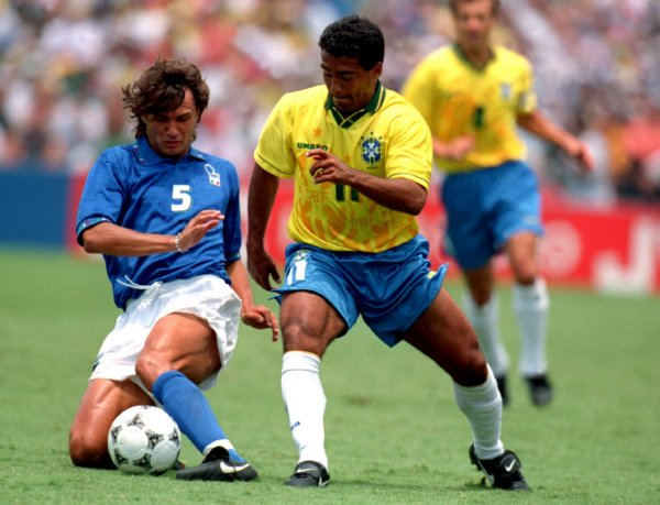 Soccer - 1994 FIFA World Cup - Final - Brazil v Italy - Rose Bowl, Pasadena