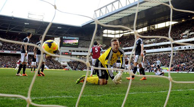 Soccer - Barclays Premier League - West Ham United v Southampton - Upton Park