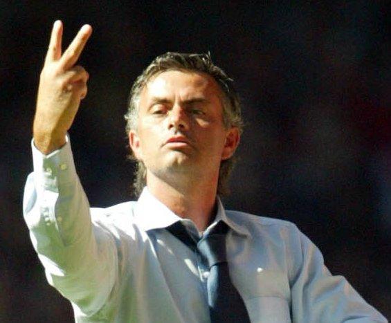 Soccer - FA Community Shield - Chelsea v Arsenal - Millennium Stadium