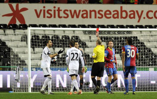 Soccer - Barclays Premier League - Swansea City v Crystal Palace - Liberty Stadium