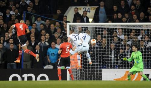 Soccer - UEFA Europa League - Round of 16 - First Leg - Tottenham Hotspur v SL Benfica - White Hart Lane