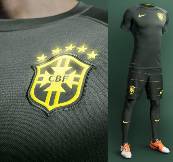 Brasil_3Uniforme_escudo_original