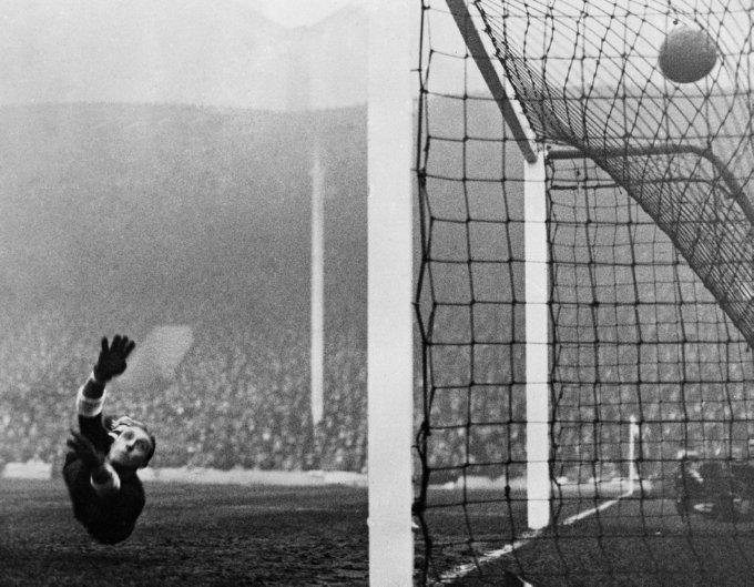 Soccer England V Italy 1934