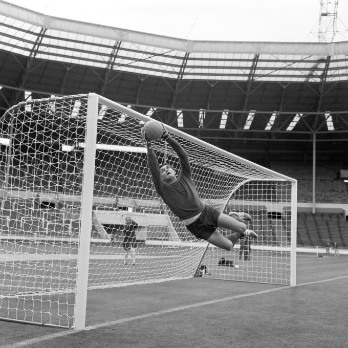 Soccer - World Cup England 1966 - Mexico Training - Wembley Stadium