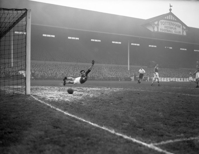 Soccer - League Division One - Tottenham Hotspur v Middlesbrough - White Hart Lane