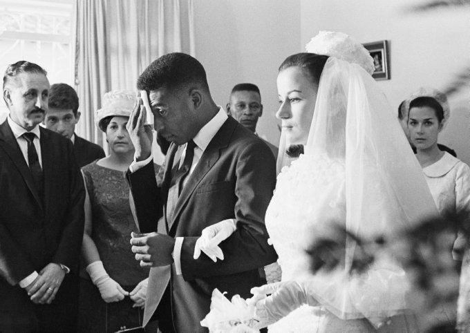 Pele Weds 1966