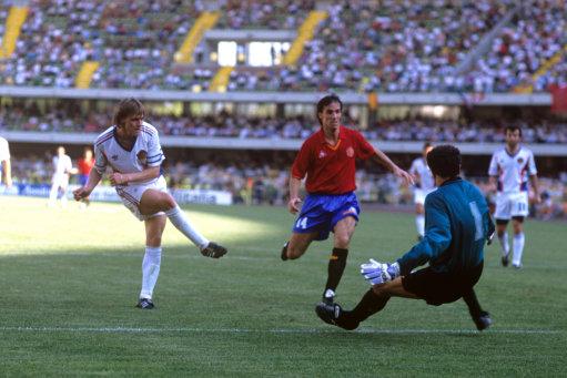 Soccer - FIFA World Cup Italia 1990 - Round of 16 - Spain v Yugoslavia - Stadio Marcantonio Bentegodi, Verona