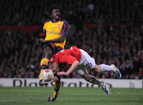 vidic-adebayor