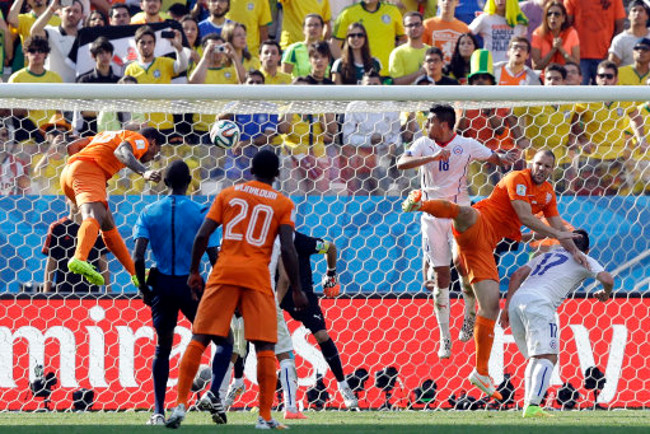 World Cup: Netherlands 2-0 Chile – Dutch Top Group B After ...