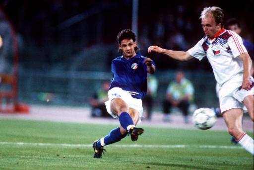 Soccer - World Cup Italia 90 - Group A - Italy v Czechoslovakia
