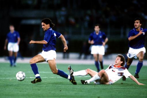 Soccer - World Cup Italia 90 - Group A - Italy v Czechoslovakia