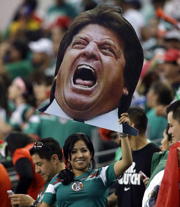 WCUP Mexico Ecuador Soccer