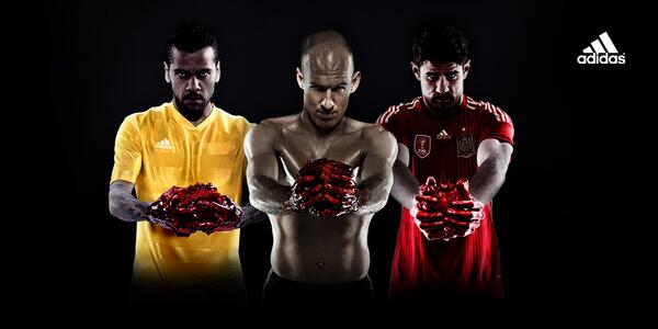alves-robben-costa-heart