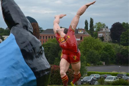 hazard-statue-2