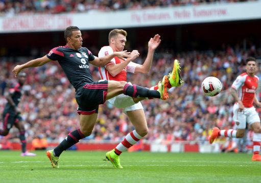 Soccer - 2014 Emirates Cup - Arsenal v SL Benfica - Emirates Stadium