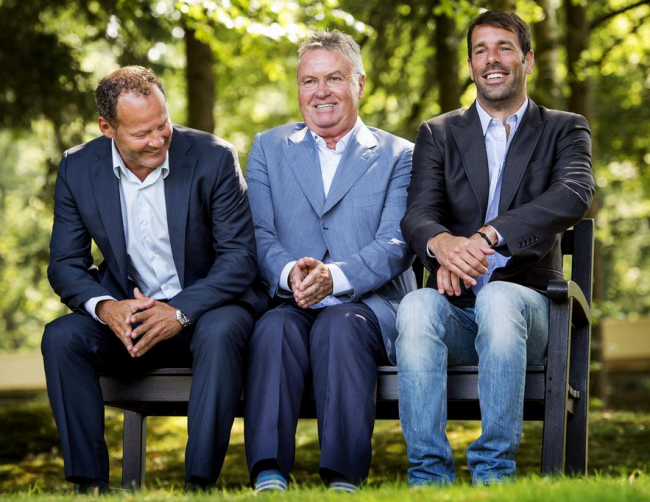holland-hiddink-nistelrooy-blind