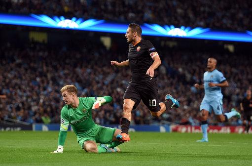 Soccer - UEFA Champions League - Group E - Manchester City v Roma - Etihad Stadium