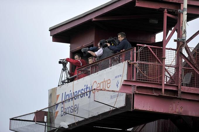 Soccer - Sky Bet Championship - Barnsley v Charlton Athletic - Oakwell