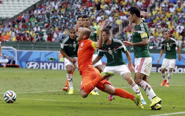 Soccer - FIFA World Cup 2014 - Round of 16 - The Netherlands v Mexico - Arena Castelao