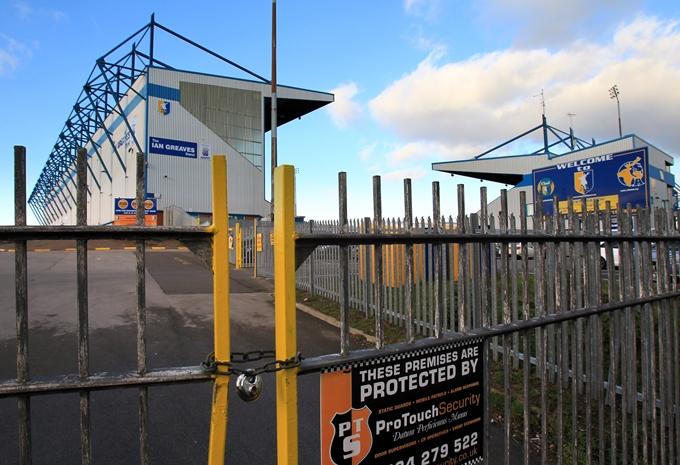 Soccer - Mansfield Town - Field Mill