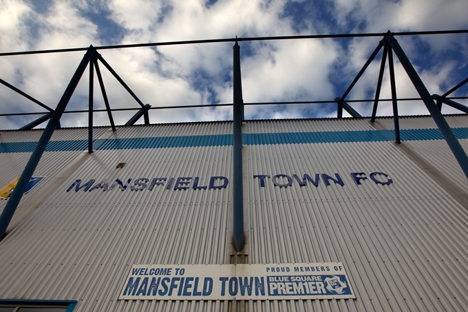 Soccer - Blue Square Premier League - Mansfield Town v Luton Town - Field Mill