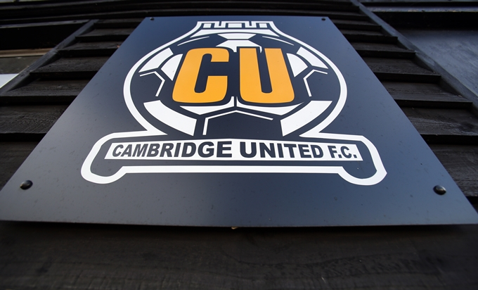 Soccer - FA Cup - Second Round - Cambridge United v Sheffield United - R Costings Abbey Stadium