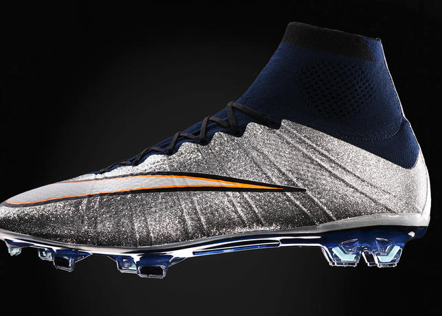 Nike-Football-CR7-Silverspoon-Profile_39197