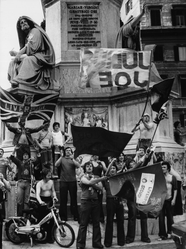 22nd May 1977:  Supporters of liverpool FC in the streets of Rome during the final of the European Cup of Champions in which Livepool beat Borussa 3 - 1.  (Photo by Keystone/Getty Images)