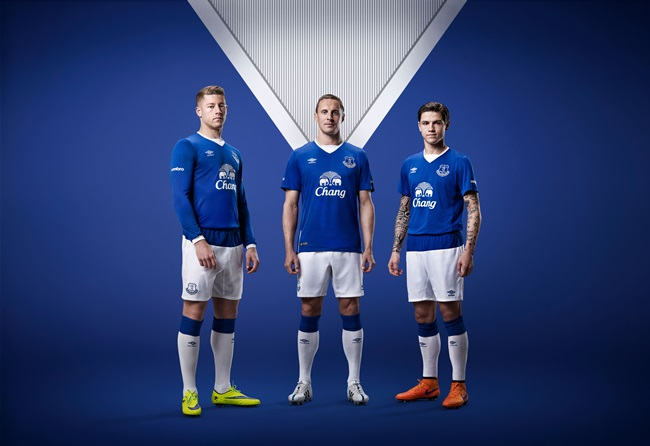 best service bdb30 c8a97 Everton Roll Out 2015/16 Umbro Home Strip, New Training Kit ...