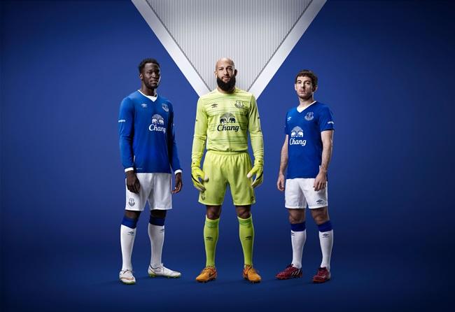 Umbro_Everton_Lukaku_Howard_Baines_1