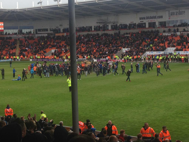 blackpool-protest-pitch