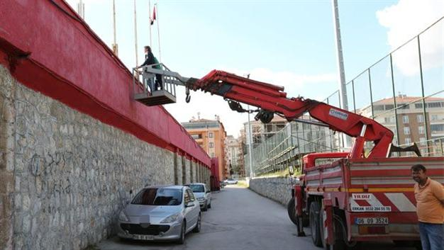 turkish-manager-crane