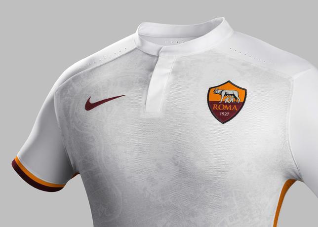 Fa15_Club_Kits_PR_Match_Crest_A_AS_Roma_R_43829