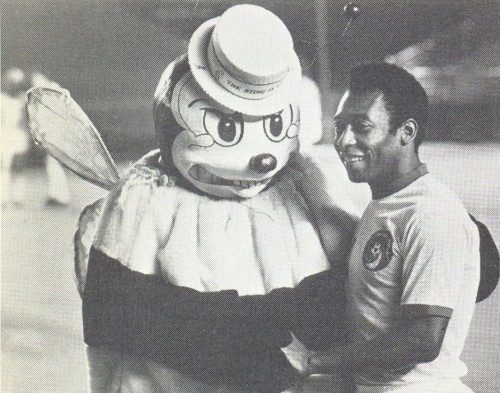20 Craptastic Mls And Nasl Football Mascots Of Yesteryear