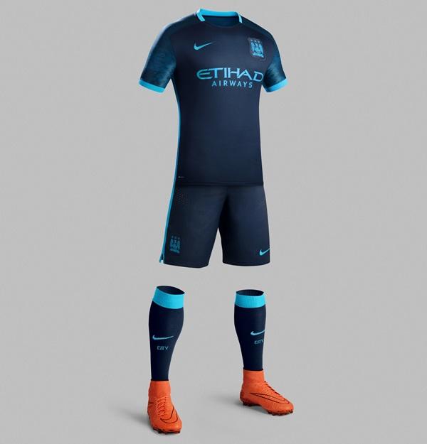 Fa15_Club_Kits_PR_Match_Full_Body_A_Manchester_City_R_original