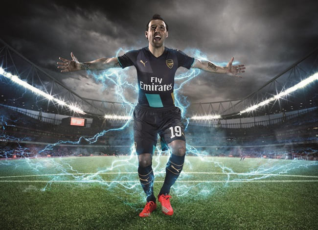 15AW_TS_AFC_xCUP_SINGLE_CAZORLA_CELEBRATION