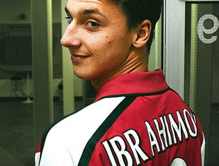 Zlatan-Ibrahimovich arsenal shirt