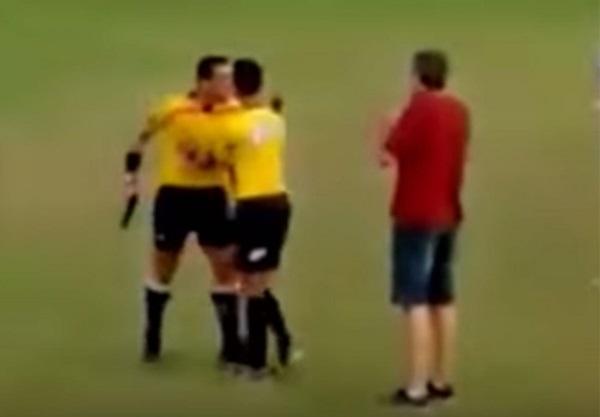brazil-referee-gun2