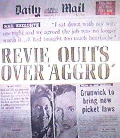revie-quits-england