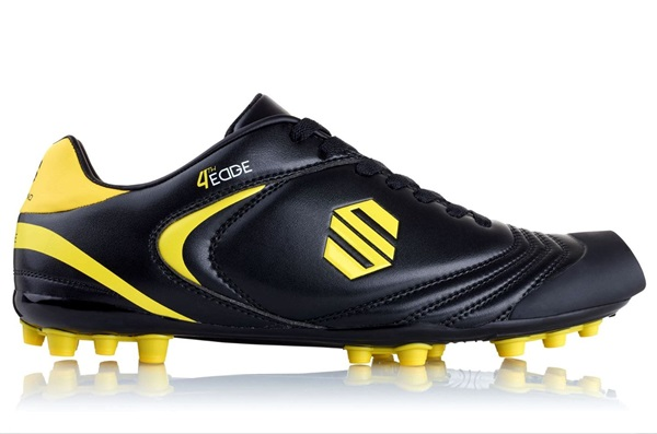 square-football-boots