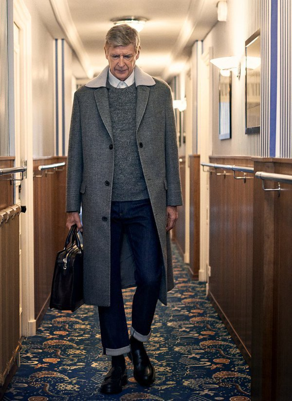 arsene wenger busts out some signature looks while posing